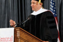 Chris Hulleman '93 was Central's 2016 commencement speaker and received an honorary Doctor of Humane Letters.