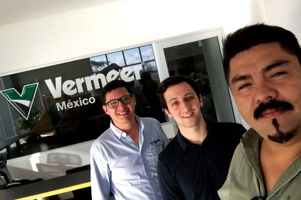 Daniel, center, with his Vermeer Mexico internship hosts.