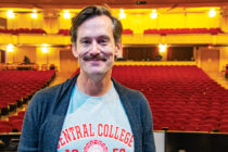 Rob Lindley '95 wasn't a standout on the Central College stage. That may be one reason he's so successful—and so generous-spirited—now.